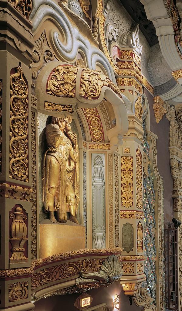 Restoration of decorative painting