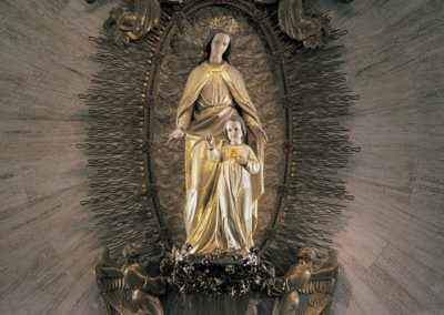 The Marian Shrine Statue at the Basilica of Holy Hill, National Shrine of Mary, Help of Christians - Photo: Korom.com