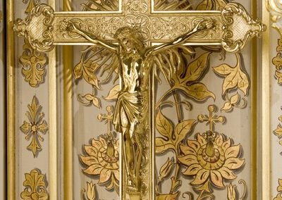 Gilded crucifix - Photo: Moberly Photography