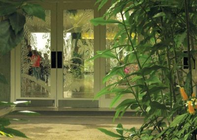 Leptat® etched glass doors create beauty and safety in entryways at the Mitchell Park Domes